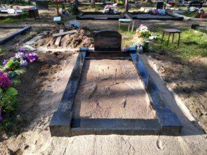 ühekohaline graniit hauapiire
